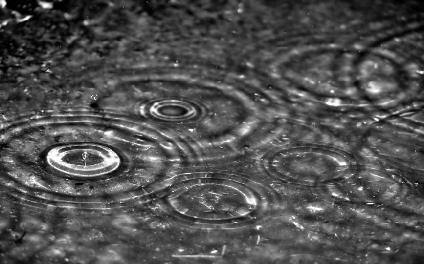 Rain-Drops-Falling